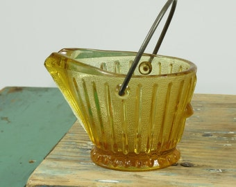 Amber Glass Coal Scuttle Novelty Ashtray . Continental Can Company . Circa 1950s . Mid Century . Vintage Glass
