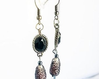Black Antique-Style Sugar Beads Earrings