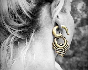 Gauge plug earrings, Gold fake gauges earrings, clay ear plugs, steampunk plug earrings, tribal earrings, gothic earrings, fake ear tentacle