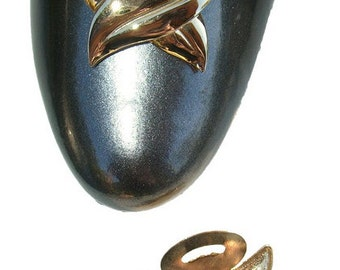 """Vintage Shoe Clips - Gold Tone """"X"""" Shoe Clips"""