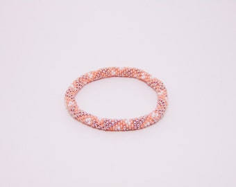 Roll-on Bead Crochet Bracelet (Pale Pink, Rose Gold, and White)