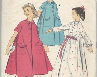 1950s Advance 8458 Little Girls' Robe, Peignoir, Duster, Vintage Sewing Pattern, Size 4 Breast 23