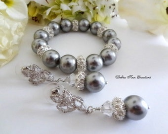 Grey Pearl Bracelet and Earring Grey Wedding Jewelry For Mother of Bride Pearl Jewelry Set Bridal Jewelry Set Grey Bridesmaid Bracelet Set