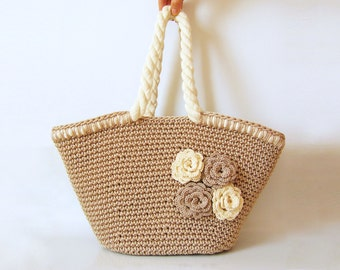 Crochet pattern for beach bag with flowers
