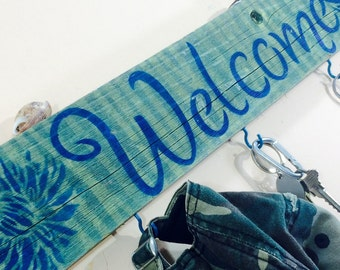 Pallet wood signs /welcome sign stenciled birchwood 5 hooks/ key holder coat rack wall /reclaimed wood decor entryway wall hanging organizer