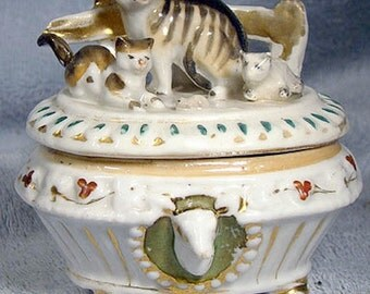 Antique Staffordshire CATS on a Caskenette China Fairing or Trinket Box 1840s 1860s