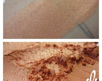 Peachy - Light Orange Shimmery Eyeshadow