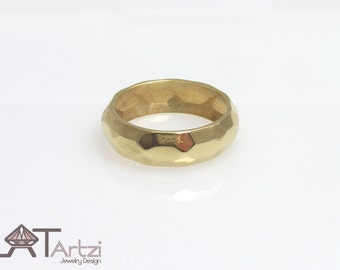 Gold faceted wedding band, Gold Wedding Ring, faceted Promise Ring, Modern Ring, gold stacking ring, faceted band, faceted ri