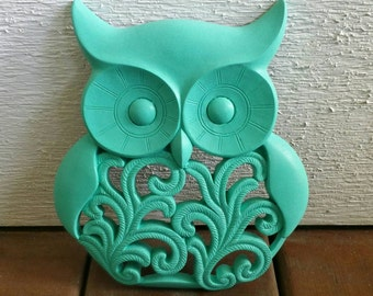 Owl Wall Decor Painted Turquoise color Semi-Gloss, with NO distressing // Owl Wall Decor // Turqoise Owl // Owl Home Decor // Owl //
