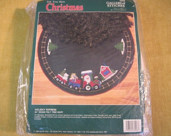 """Bucilla, Holiday Express Christmas 36"""" round felt tree skirt kit, complete with all materials and instructions,Persian wool yarn,Santa,train"""