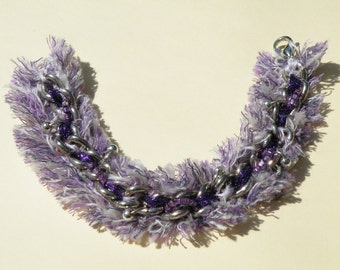 Braccialetto catena con stoffa sfilacciata-Chain bracelet with frayed fabric