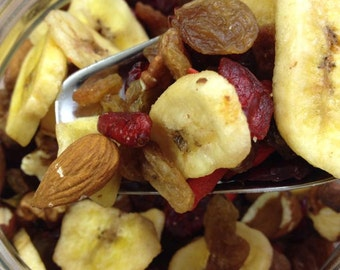 Energy mixes, trail mix with superfoods, banana, oats, nuts, raisins, choose your mix 200gr Great idea for wedding / birthday / party favors