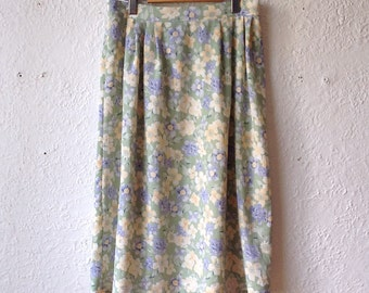 Vintage skirt purple yellow flowery pastel green woman