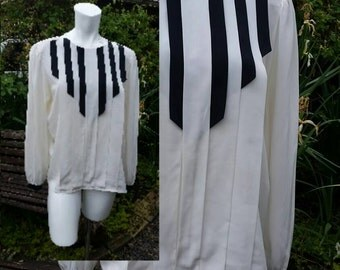 227--Vintage 1980s designer blouse-Size 14-Fun striped design-Polyester-Womens fashion-office-Formal event-Church clothing--Long sleeve