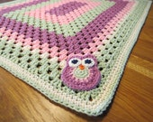 Crochet Baby Blanket in light green pink and heather cotton. With a cute owl applique. Crochet Baby Afghan, Giant Granny square baby blanket