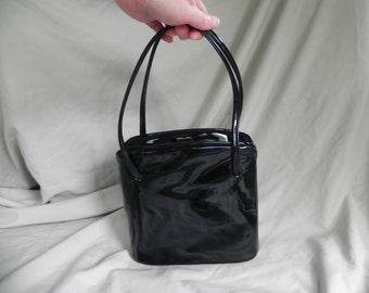1950's Elegant Black Patent Leather Handbag Purse