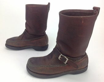 Mens Vintage Itaskan M McMullin Brown Leather Pull On Moccasin Toe Buckle Hunting Work Motorcycle Boots USA Sz. 8 9