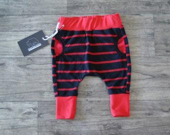 Peek-a-boo pocket pants sz 3-6 months