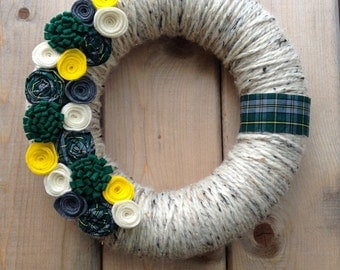 Cape Breton / Yarn Wreath / Tartan / Door Wreath / Summer Front Door / Cape Breton Tartan / Felt Flowers