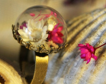 Dome ring with flowers