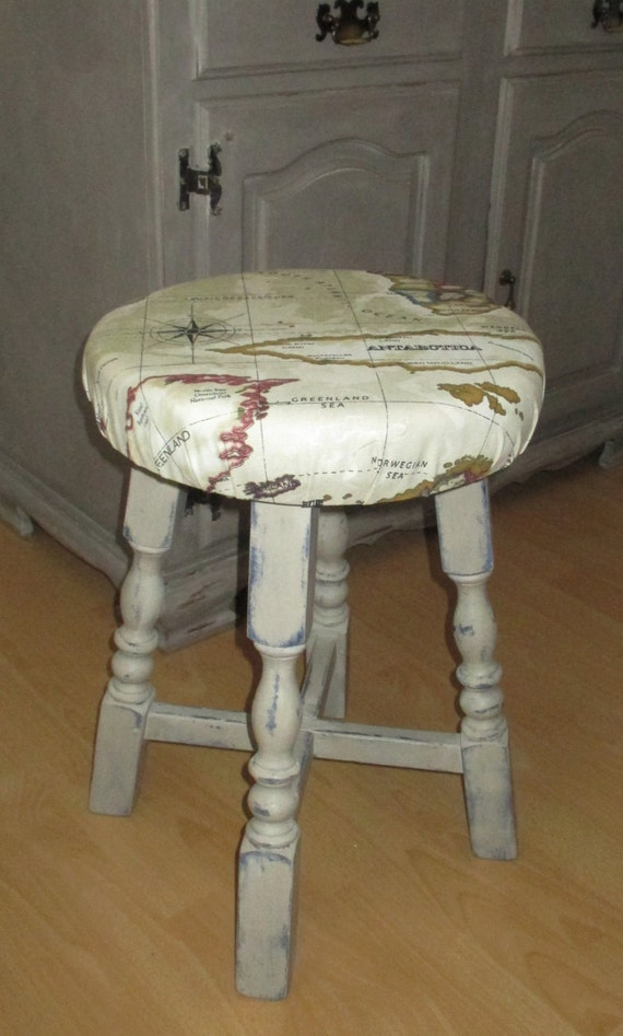 shabby chic stool full of old charm by changinglightdesigns. Black Bedroom Furniture Sets. Home Design Ideas