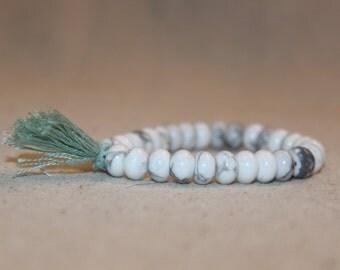Howlite and Turquoise Beaded Bracelet