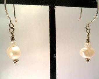 Creamy white pearls - 28