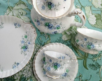 Complete vintage 1960s Inspiration tea set by Royal Albert.