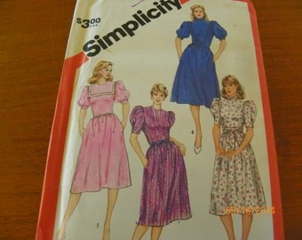 Vintage 1983 Simplicity 5916 Sewing Pattern Misses' Semi-Fitted Dress With Collar Vaariations and Sash, Size Miss 10.