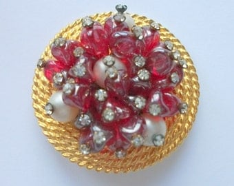 Vintage Jerry De Nicola Brooch, Ruby Red Art Glass Gems, Faux Pearls, Gilt Brooch, Vintage Wedding,  Bridal, High End, Rhinestones