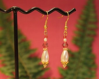 Teardrop Pearl and Pale Pink Drops #1545