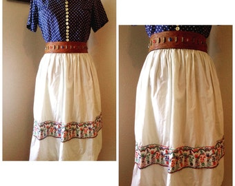 1950s novelty Mexican themed embroidered cotton skirt.
