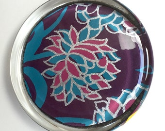 Colorful flower paperweight