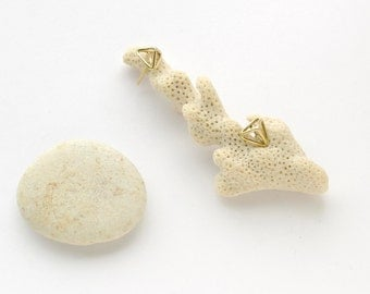 Geometric small brass triangle earrings