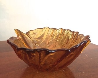 "Amber glass naturalistic leaf-shaped bowl with ""stem"""