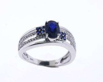 14K White Gold Diamond ring with Blue Sapphire - size 7