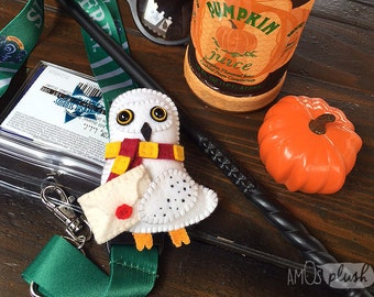 Hedwig inspired plush felt brooch pin owl - Gryffindor Slytherin Ravenclaw Hufflepuff Hogwarts - Harry Potter