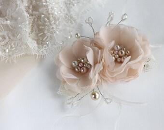 Bridal Head Piece, Bridal Fascinator, Wedding Hair Accessory, Bridal Flower Hairclip