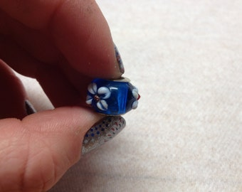 Vintage 925 Sterling Silver Blue with White Raised Flower Design