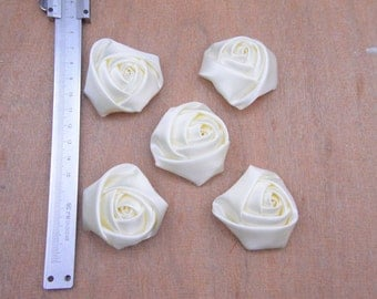rose buds,ivory satin rose buds,ivory satin buds,20pcs rose buds,color mixing buds,chromatic rose buds,45x20mm Cream flower