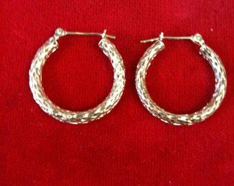 14 K Yellow Gold Hoop Earrings. 1.8 Gm. Free Shipping.