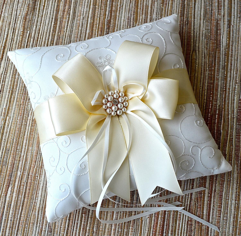 Ivory White Ring Bearer PillowIvory Wedding Ring Pillow