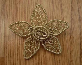Crochet wire jewelry, crochet wire brooch, wire brooch, handmade jewelry, flower brooch