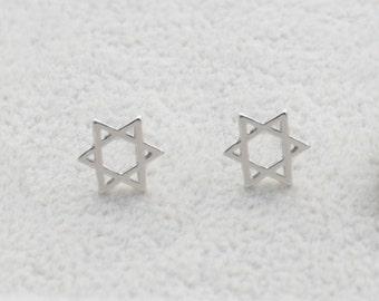 Pair of Star of David Stud Earrings in Sterling Silver Simplistic Design e23