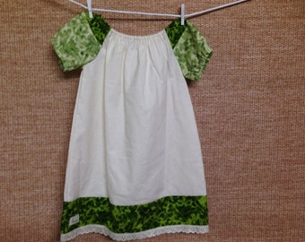 Green Ivy Peasant dress - girls size 3-4 years.