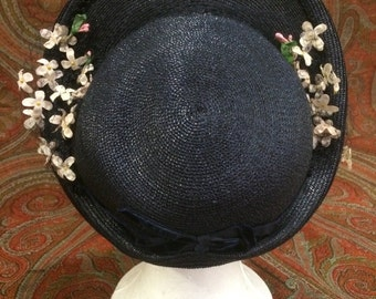 Vintage 1930s raffia hat w veiling and flowers