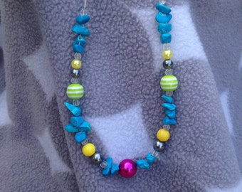 Summery beaded textured necklace