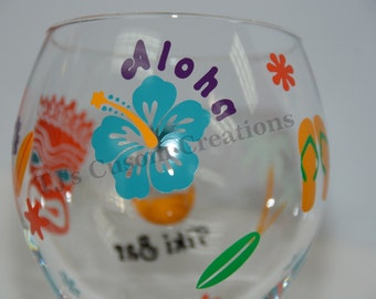 Hawaiian Luau Tiki Bar Party Personalized Wine glass, Hibiscus, Party Favor, Friendship, Summer bbq, Appreciation,  Birthday 21 29 30 40 50