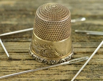 Sterling Silver Engraved Vintage Thimble with Bird Motif 22.5x19 - 4.4g - ES 198