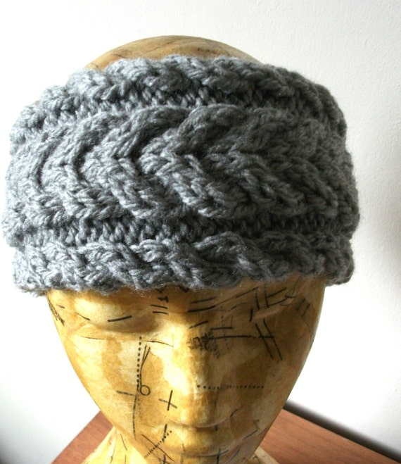 Handknitted chunky cabled headband in grey by TheJadedMagpie